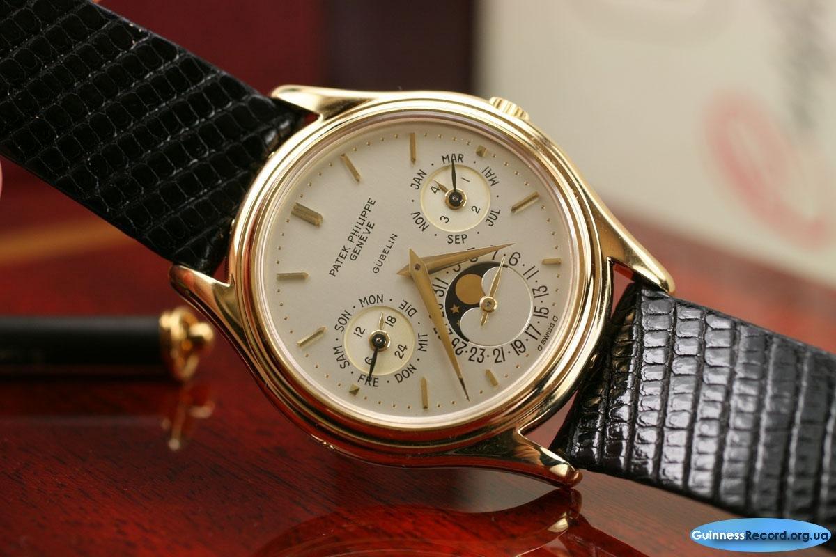 А ведь на самом деле, chopard karat – это самые дорогие часы в мире, покрытые цветными бриллиантами в карат.